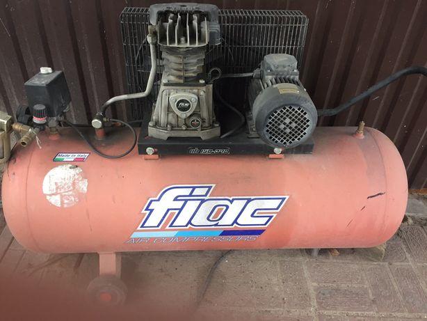 Kompresor tłokowy olejowy 150 L