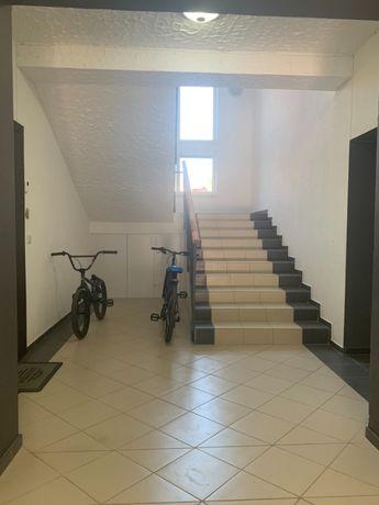 2-х кім, 7хв від Проспекту у Новобудові,в р-ні Кварцу плюс горище 30м2