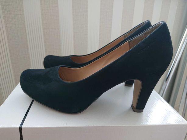 Продам замшевые туфли ROBERTO SANTI