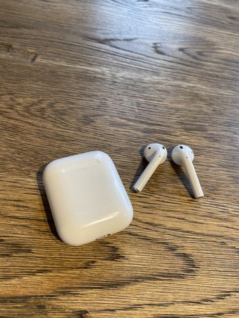AirPoods ll apple