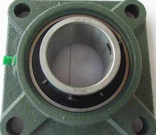 Обладнання до спецтехніки UCF207 під вал 35 мм