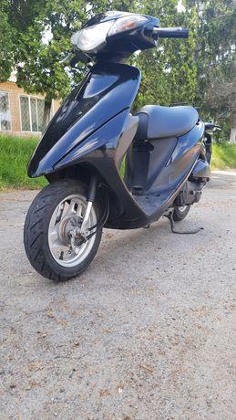 Продам скутер Suzuki address v50