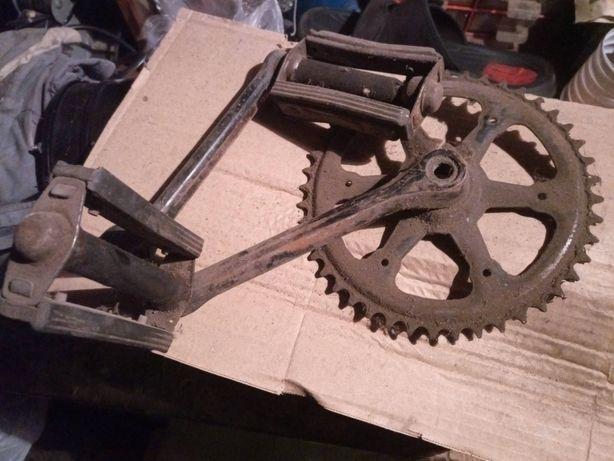 Велосипед: педали, цепь, щитки