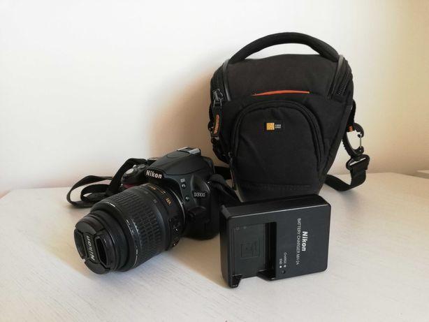Nikon D3100 com objetiva e mala
