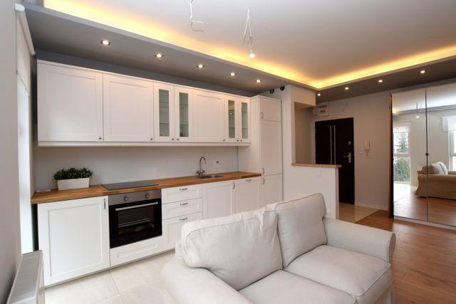 Apartament , 2 pokoje , ul. Złota 15