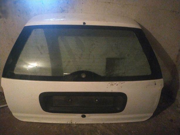 Кришка багажника Ford Mondeo 1