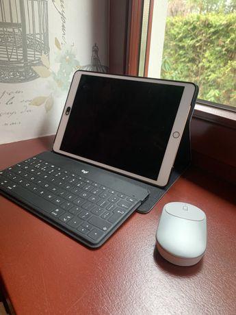 Ipad Air (3. generacji) + obudowa, klawiatura i myszka