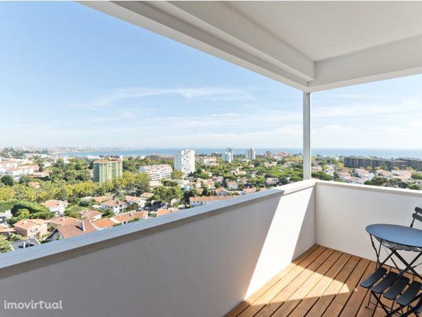 Apartamento T3 com vista panorâmica sobre o mar, localiza...