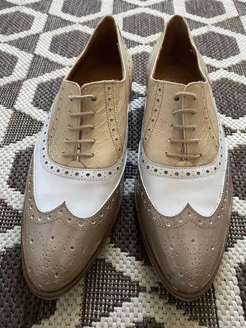Взуття іспанського бренду