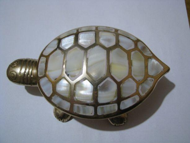 Шкатулка черепаха латунь-перламутр