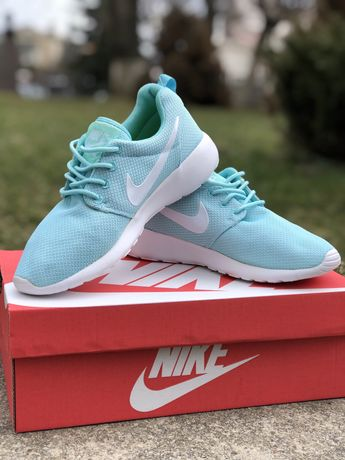 Скидка Женские кроссовки Nike Roshe Run зеленые 36-41