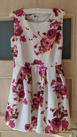 Sukienka kwiaty Vubu M floral róż biel rozkloszowana