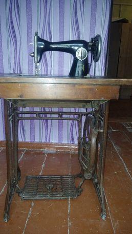 Машинка швейная тикка 1949 года выпуска рарититет в рабочем состоянии