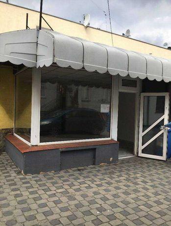 Centrum miasta. Lokal po byłym sklepie kosmetyków fryzjerskich.