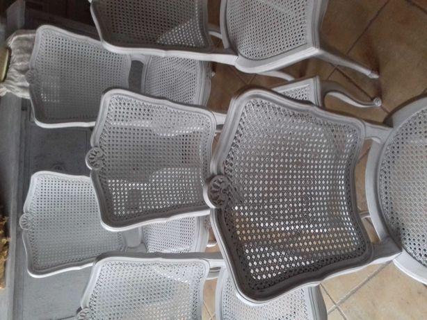 Komplet 6 francuskich krzeseł w brudnej bieli z przetarciami