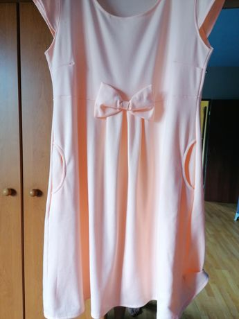Sprzedam sukienkę brzoskwiniową
