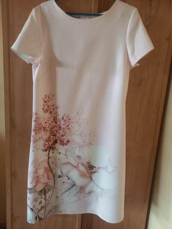 Sukienka kwiaty pudrowy róż bolerko granatowe  torebka buty
