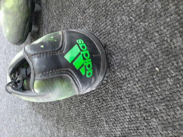 Korki firmy Adidas. Prawie nie używane.