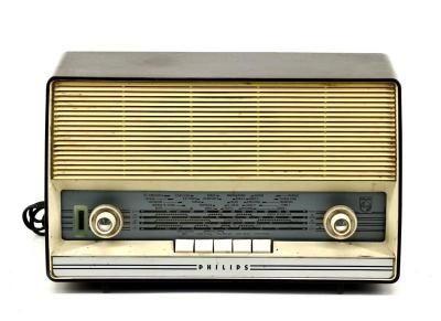 Rádio Antigo Philips , a Funcionar