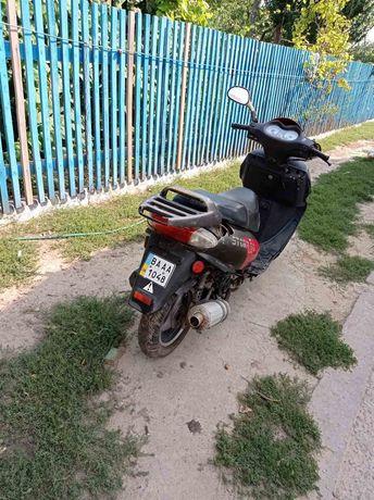 Продам скутер на ходу, тільки без акумулятора, зареєстрований з докуме