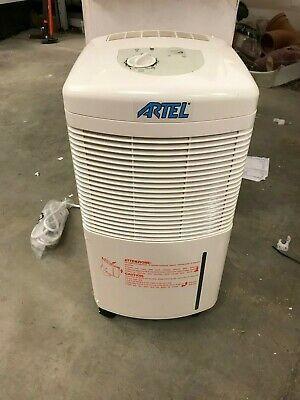 Осушитель воздуха Artel 12л/сутки Англия