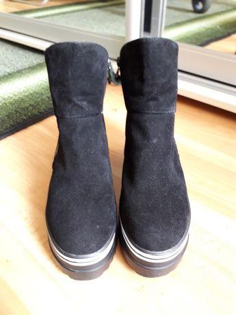 Ботинки из эко-замши