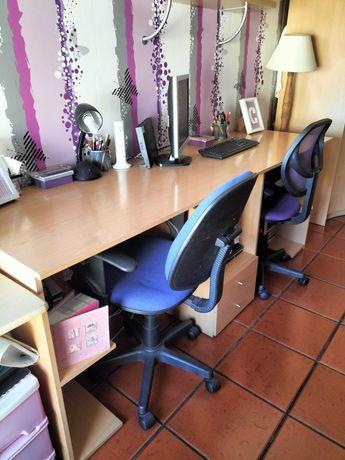 Conjunto de Secretária com 2 cadeiras de escritório