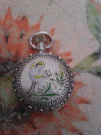 zegarek kopertówka,fajne zdobienia zewnetrzne,100% sprawny