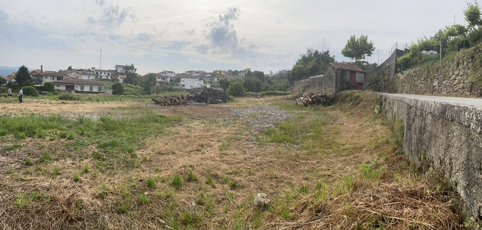 Terreno para construcao, 1080 m2, localizado em Rôge, Vale de Cambra