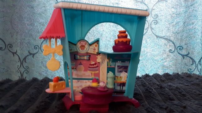 Domek Cukiernia Littelest Pet Shop +akcesoria + 4 figurki