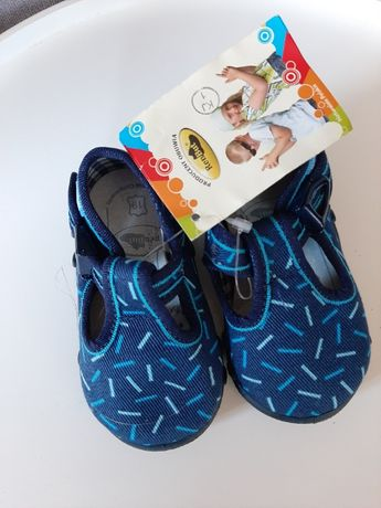 Renbut kapcie buty letnie rozm19 dla chłopca Nowe