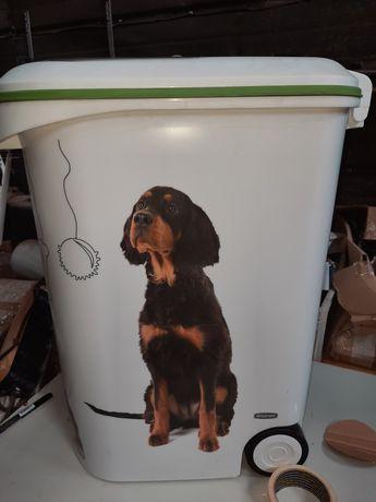 Pojemnik do przechowywania karmy dla zwierząt