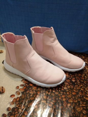 Кроссовки, ботинки для девочки осень-весна р.35 - 22,5 см.