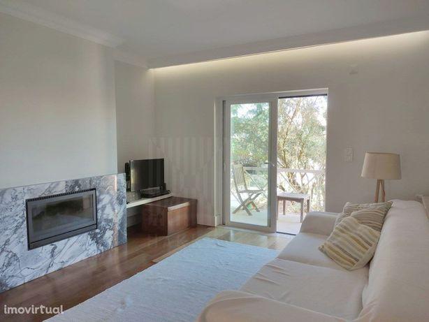 Apartamento T2 em condominio com piscina