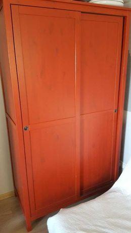 Szafa IKEA HEMNES z drzwiami przesuwanymi - czerwona