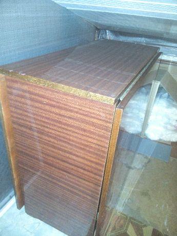 Продам раскладной полированный стол тумба.30х75х80х1.90