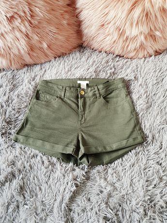 XS S H&M spodenki szorty jeansowe khaki cargo safari zielone złoty guz
