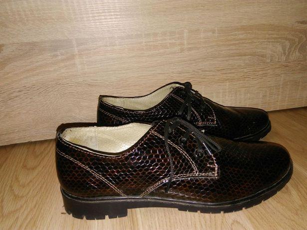 Туфли кожаные лаковые