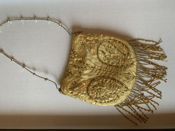 Torebka wizytowa złota koraliki do ręki