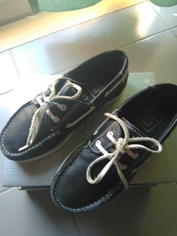 Sapatos menino Nº30