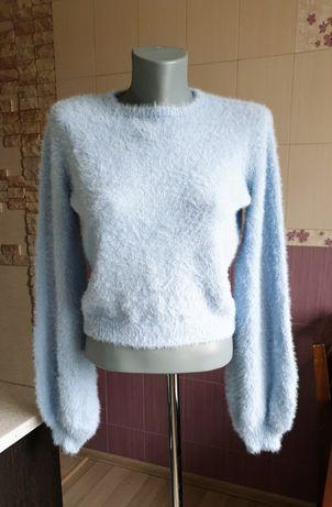 Новый голубой нежный пушистый свитер укороченный bershka