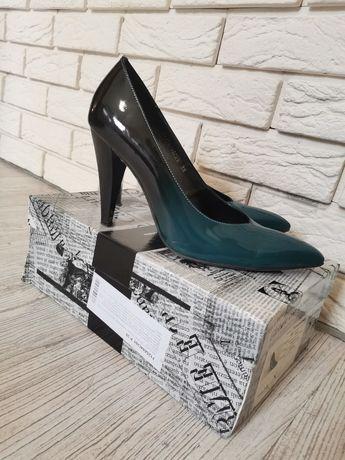 Продам красивые туфли Luciano. Carvari