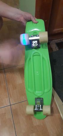 Продам новий скейт