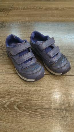 Кроссовки для девочки Clarks