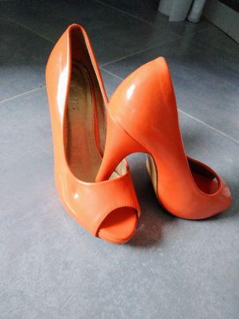 Neonowe , pomarańczowe buty na obcasie , czółenka