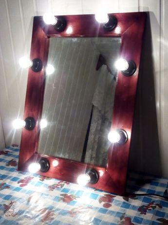 Продам зеркало для макияжа