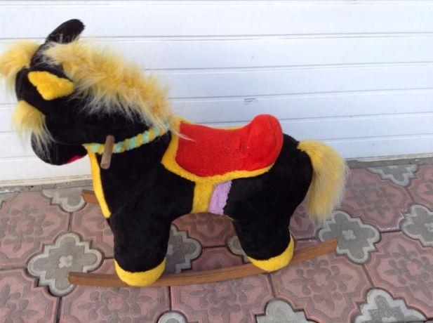 Продам качалку лошадку