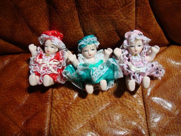 75 bonecas de porcelana
