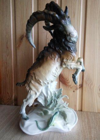 Антикварная статуэтка Горный козел с ящерицей. Германия, Karl Ens