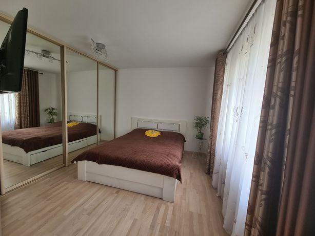 Трикімнатна квартира на проспекті Лесі Українки